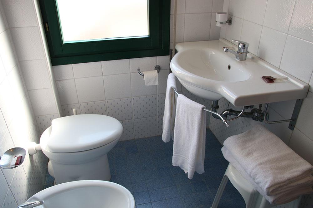 bagno1-hotel-panorama